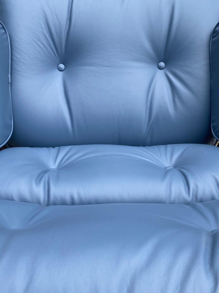 Mid-Century Modern Rare Custom Herman Miller Eames Lounge Chair & Ottoman with Perfect Blue Leather For Sale