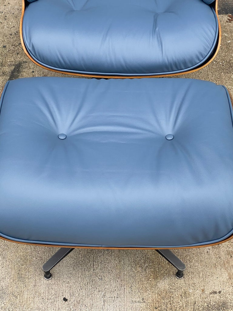 20th Century Rare Custom Herman Miller Eames Lounge Chair & Ottoman with Perfect Blue Leather For Sale