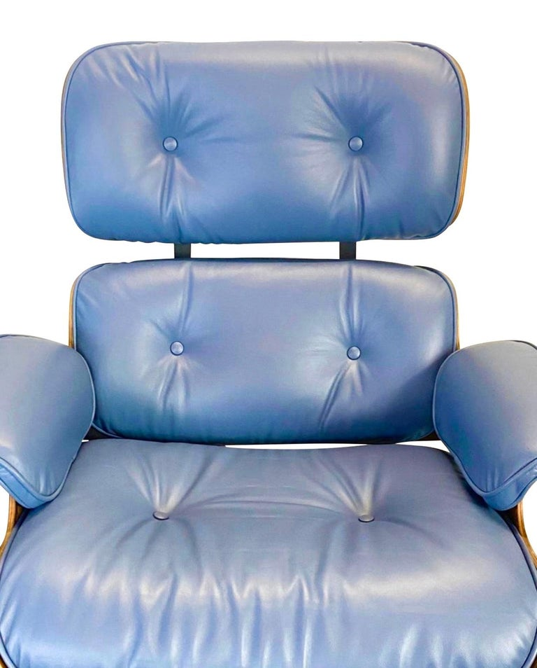 Rare Custom Herman Miller Eames Lounge Chair & Ottoman with Perfect Blue Leather For Sale 1