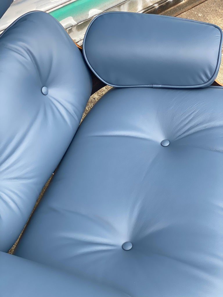 Rare Custom Herman Miller Eames Lounge Chair & Ottoman with Perfect Blue Leather For Sale 2