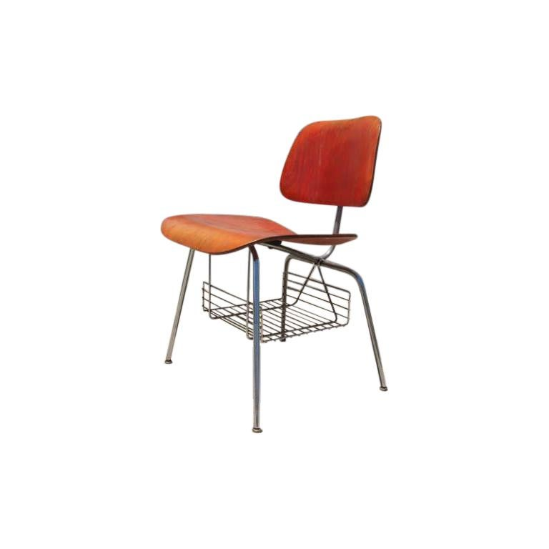 Rare DCM Side Chair with Magazine Rack by Charles & Ray Eames for Herman Miller For Sale