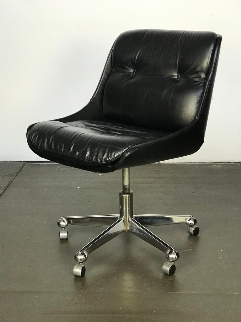 Hard to find Brazilian modern leather task chair by Jean Gillon for Italma Wood Art. Swivels. Early label.