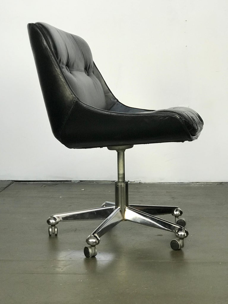 Mid Century Modern Desk Chair in Leather by Jean Gillon  For Sale 2