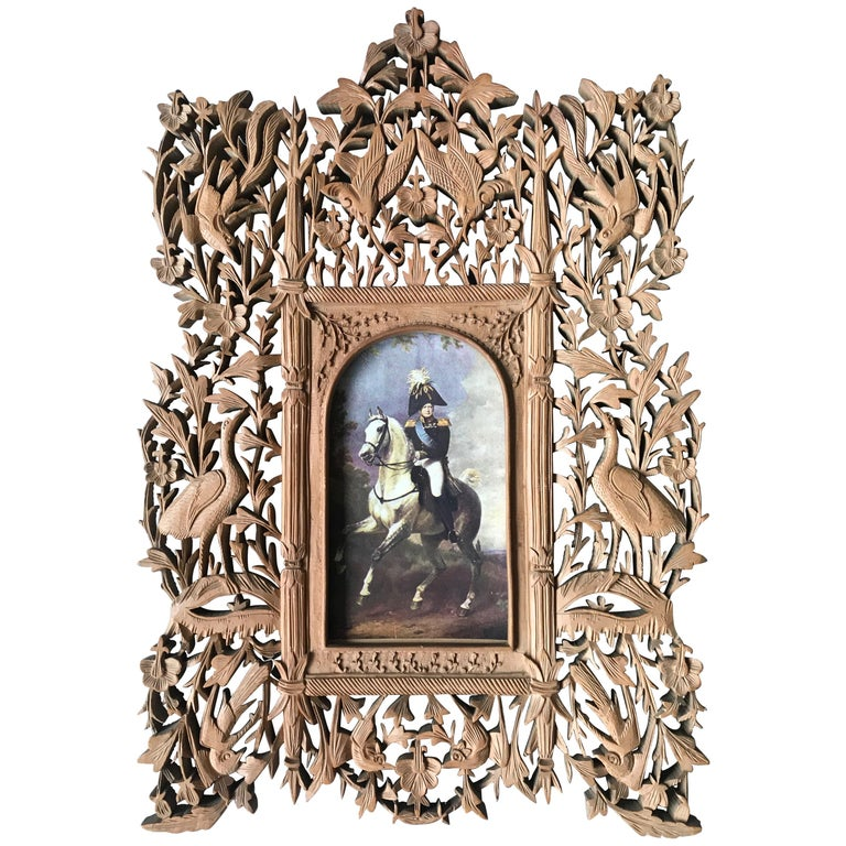 Rare Early 1900s Finely Hand Carved Flowers and Animals Sculpture Picture Frame For Sale