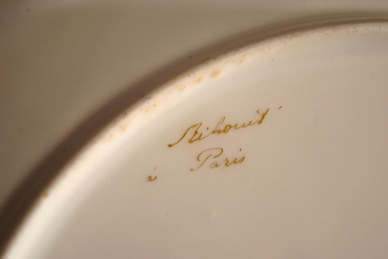 Rare Early 19th Century Paris Botanical Pink Porcelain Service for 24 For Sale 4