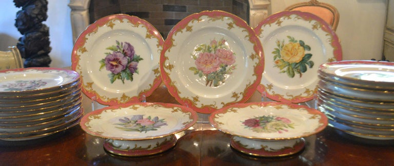 Rare Early 19th Century Paris Botanical Pink Porcelain Service for 24 For Sale 3
