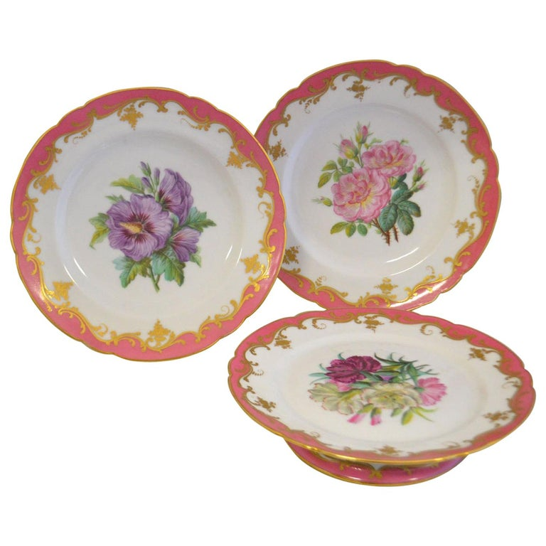 Rare Early 19th Century Paris Botanical Pink Porcelain Service for 24 For Sale