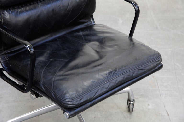 Rare Early Production Eames Soft Pad Chair by Herman Miller, Signed & Dated 1976 For Sale 7