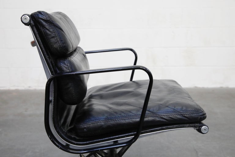 Rare Early Production Eames Soft Pad Chair by Herman Miller, Signed & Dated 1976 For Sale 8