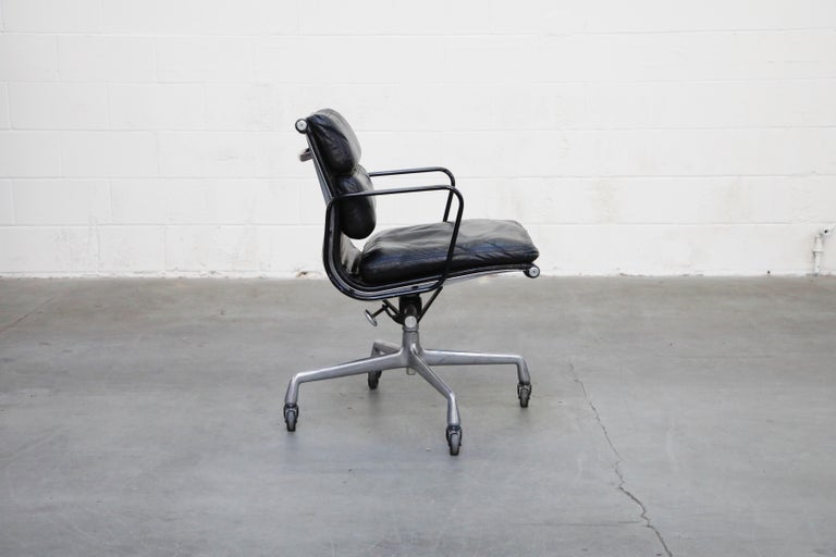 Rare Early Production Eames Soft Pad Chair by Herman Miller, Signed & Dated 1976 In Good Condition For Sale In Los Angeles, CA