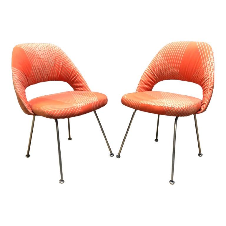 20th Century Rare Eero Saarinen for Knoll Chairs on Aluminum Legs