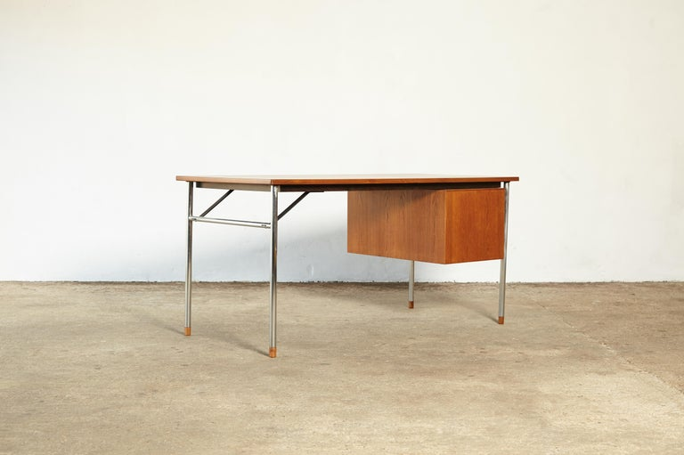Rare Ejner Larsen and Aksel Bender Madsen Desk, Denmark, 1960s In Good Condition For Sale In London, GB