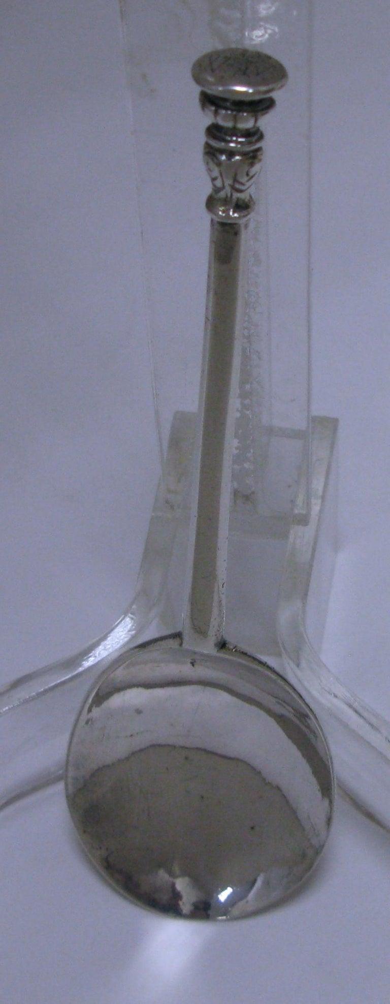 Elizabethan Rare Elizabeth I Sterling Silver Seal Top Spoon, London, 1589 For Sale