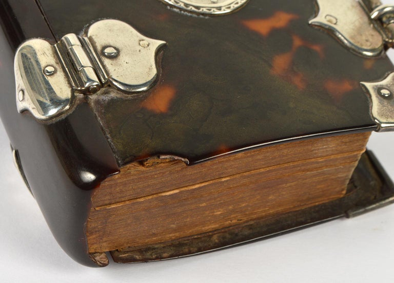 Rare English 18th Cent. Tortoise Shell and Silver Covered Book of Common Prayer In Good Condition For Sale In Ft. Lauderdale, FL