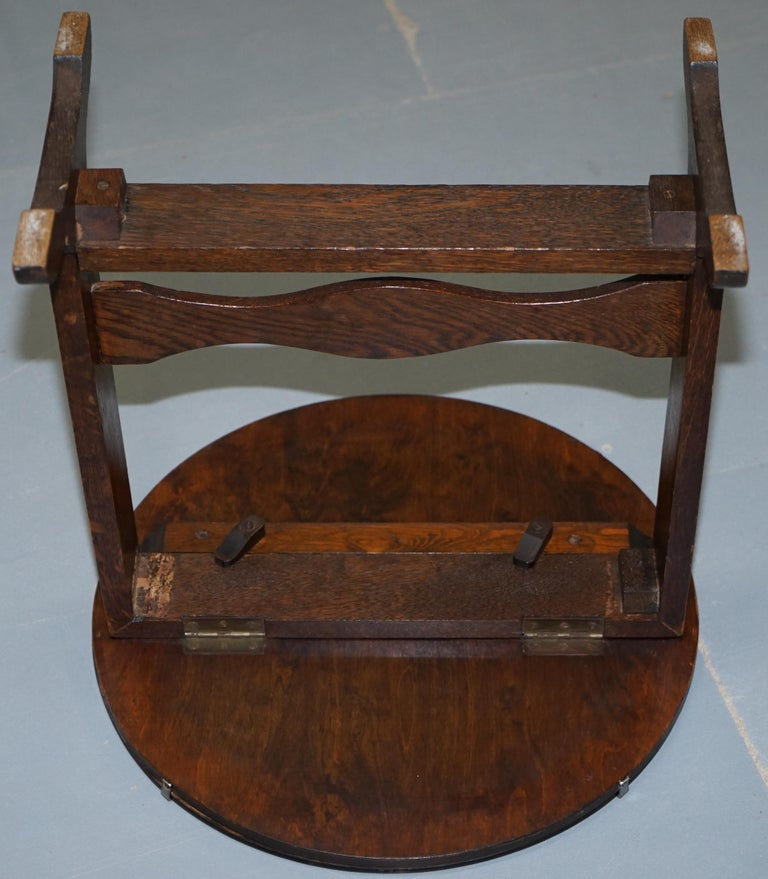 Rare English Oak Tilt-Top Side Table with Hand Painted Picture Glass Case Lovely For Sale 4