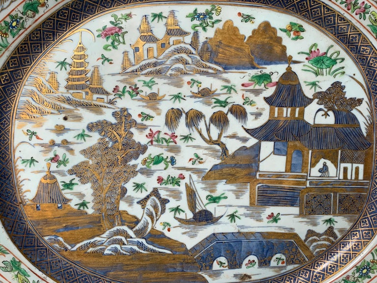 Rare Exceptional Large 18th Century Chinese Export Platter In Good Condition For Sale In Dallas, TX