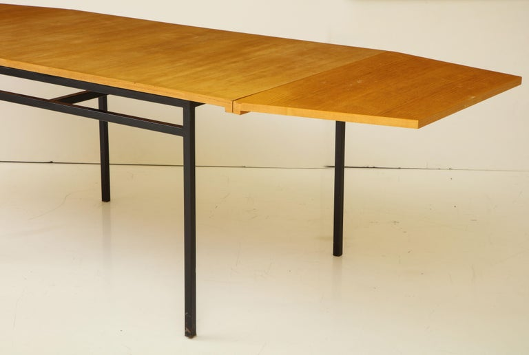 Rare Expandable Dining Room Table by Pierre Guariche and Arp, France, 1960s For Sale 3