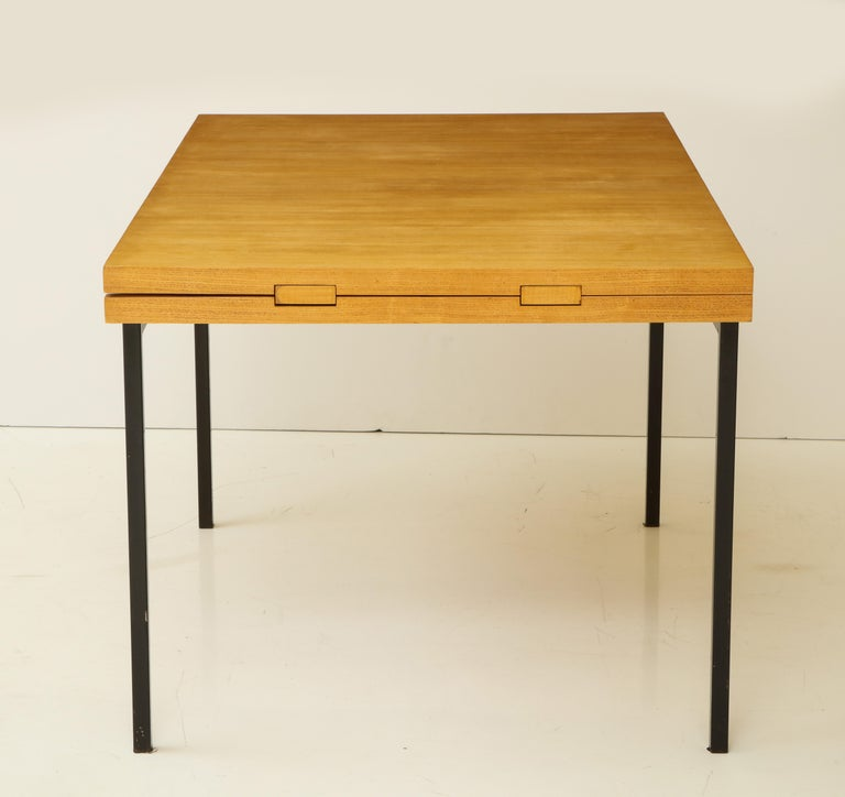 Enameled Rare Expandable Dining Room Table by Pierre Guariche and Arp, France, 1960s For Sale