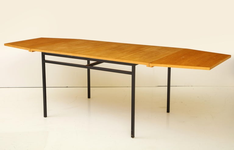 Rare Expandable Dining Room Table by Pierre Guariche and Arp, France, 1960s For Sale 1