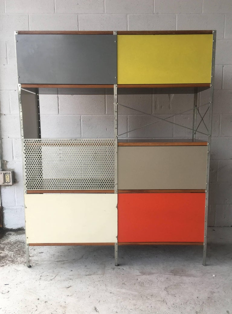 Rare First Edition Labeled Herman Miller Eames ESU In Good Condition For Sale In Brooklyn, NY