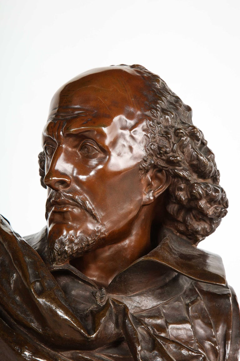 Rare French Bronze Bust of William Shakespeare by Carrier Belleuse and Pinedo For Sale 3