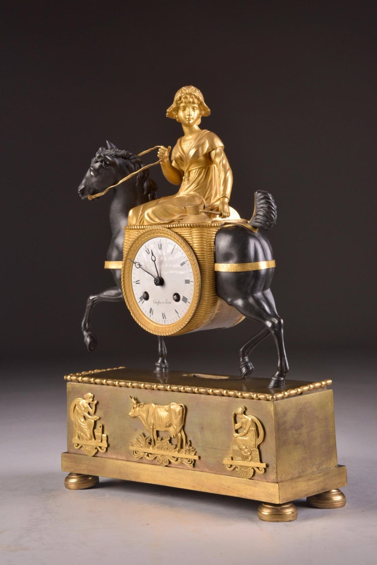 Rare French Patinated Gilt Bronze Clock of the Girl, La Laitiere, circa 1810 For Sale 4