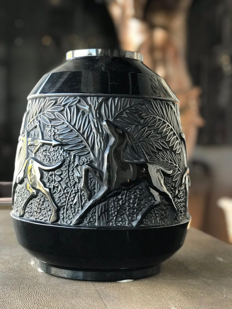 20th Century Rare French Verlys Black Glass Art Deco Vase For Sale
