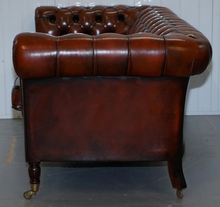Rare Fully Restored Vintage Cigar Brown Leather Chesterfield Club 3-Seat Sofa For Sale 12