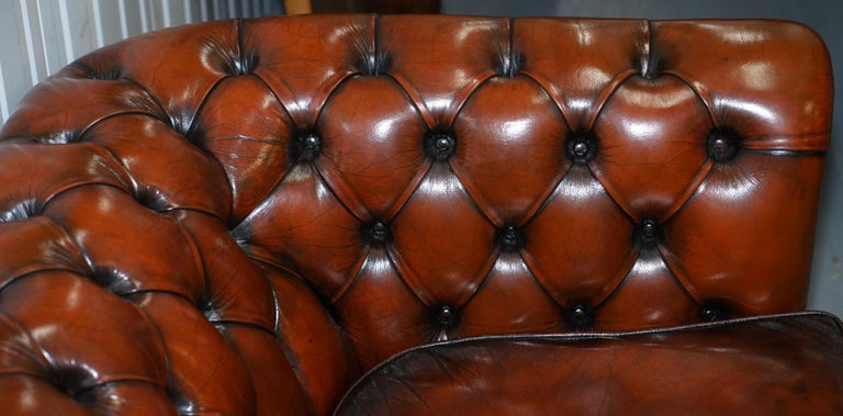 Rare Fully Restored Vintage Cigar Brown Leather Chesterfield Club 3-Seat Sofa For Sale 3