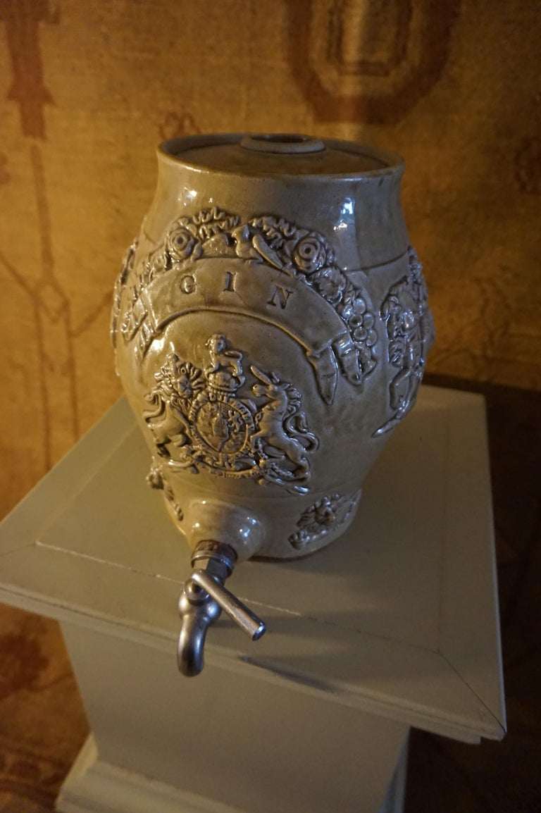 English Rare Georgian Ceramic Gin Barrel Tap Flask with Royal Coat of Arms Knights Lions For Sale