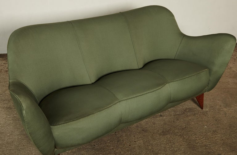 Rare Giulia Veronesi Perla Sofa, Green Fabric, ISA Bergamo, Italy, 1950s For Sale 5