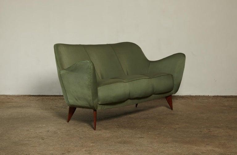 Italian Rare Giulia Veronesi Perla Sofa, Green Fabric, ISA Bergamo, Italy, 1950s For Sale