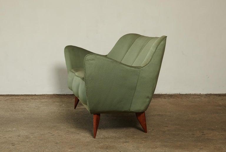 Rare Giulia Veronesi Perla Sofa, Green Fabric, ISA Bergamo, Italy, 1950s For Sale 2