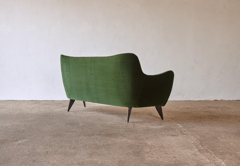 20th Century Rare Giulia Veronesi Perla Sofa, ISA Bergamo, Newly Re-Upholstered, Italy, 1950s For Sale