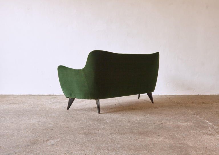 Rare Giulia Veronesi Perla Sofa, ISA Bergamo, Newly Re-Upholstered, Italy, 1950s For Sale 1