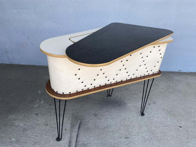 Rare Grand Server Convertible Bar w/ Tufted Sides Designed for the World's Fair For Sale 5