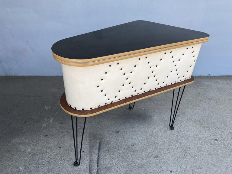 Rare Grand Server Convertible Bar w/ Tufted Sides Designed for the World's Fair For Sale 6