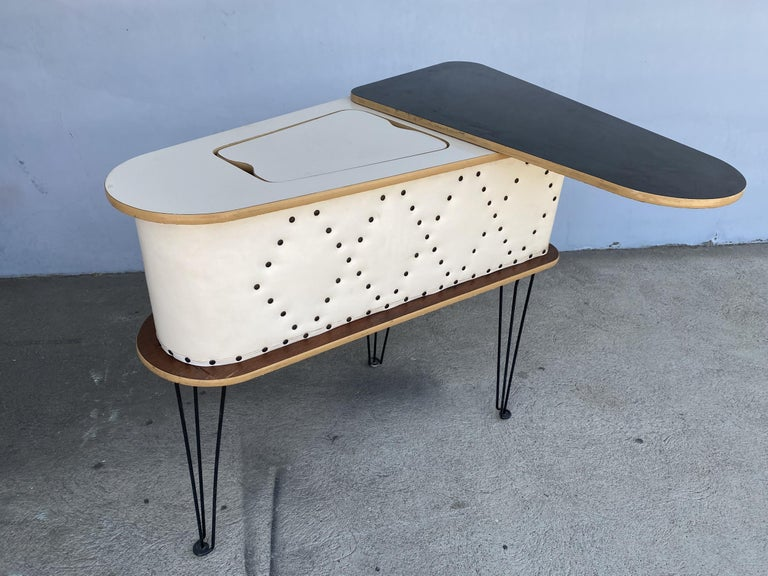 Rare Grand Server Convertible Bar w/ Tufted Sides Designed for the World's Fair For Sale 7