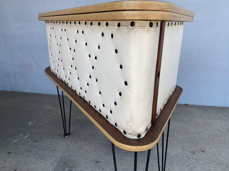 Rare Grand Server Convertible Bar w/ Tufted Sides Designed for the World's Fair For Sale 10
