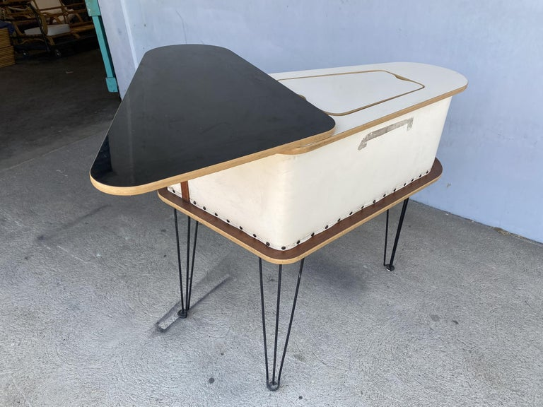 Rare Grand Server Convertible Bar w/ Tufted Sides Designed for the World's Fair For Sale 12