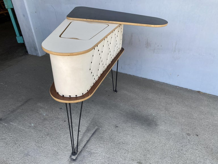 Rare Grand Server Convertible Bar w/ Tufted Sides Designed for the World's Fair For Sale 3
