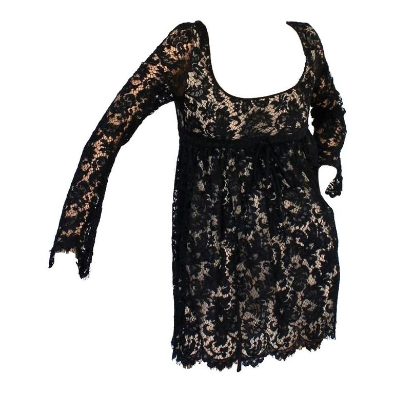UNWORN Rare Gucci by Tom Ford SS 1996 Black Lace Mini Dress Gown For Sale