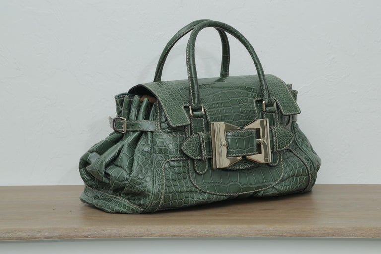 Rare Gucci Limited Edition Green Crocodile Skin Leather Weekend/Travel Bag In Excellent Condition For Sale In West palm beach, FL