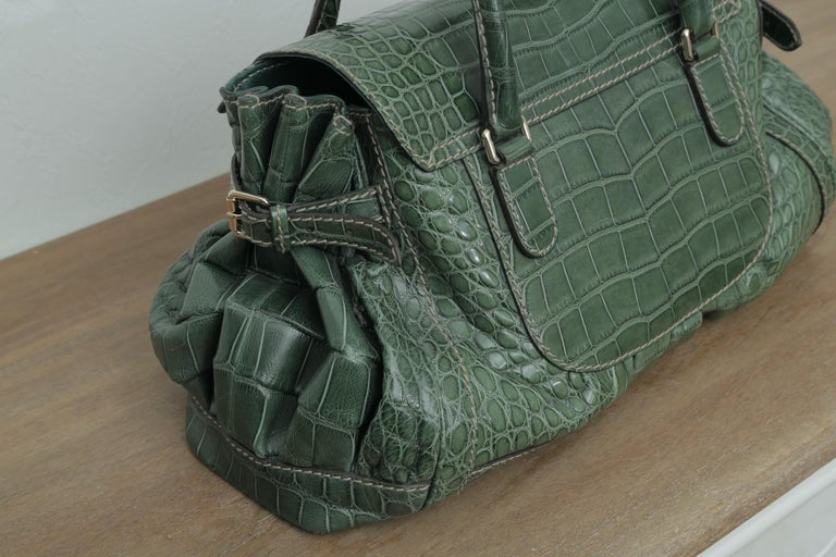 Women's  Rare Gucci Limited Edition Green Crocodile Skin Leather Weekend/Travel Bag For Sale