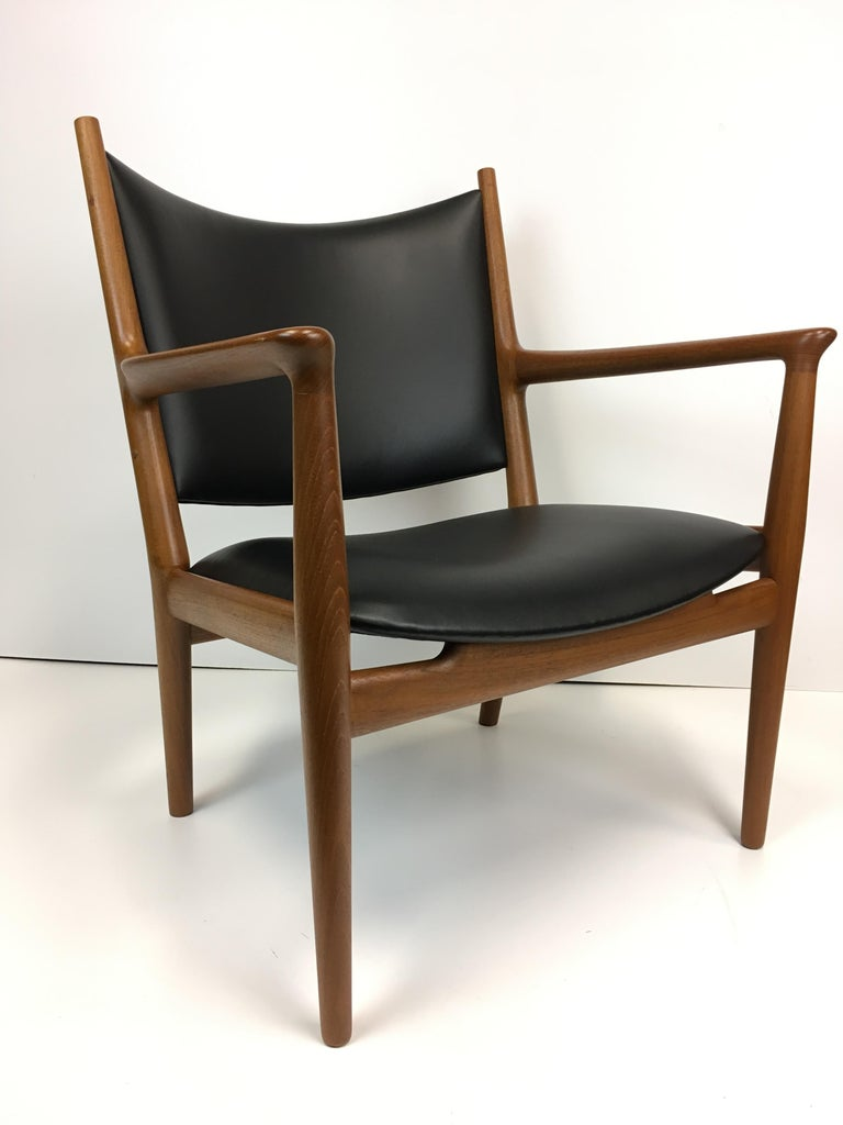 20th Century Rare Hans Wegner Teak Lounge Chair for Johannes Hansen, circa 1960s For Sale
