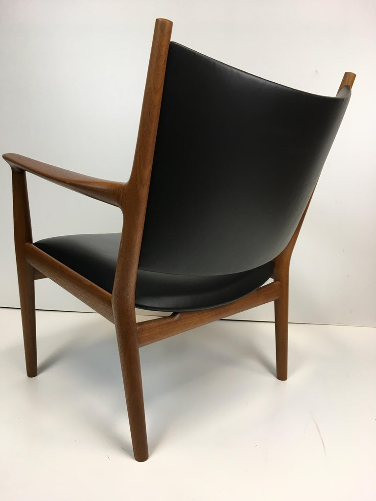 Leather Rare Hans Wegner Teak Lounge Chair for Johannes Hansen, circa 1960s For Sale