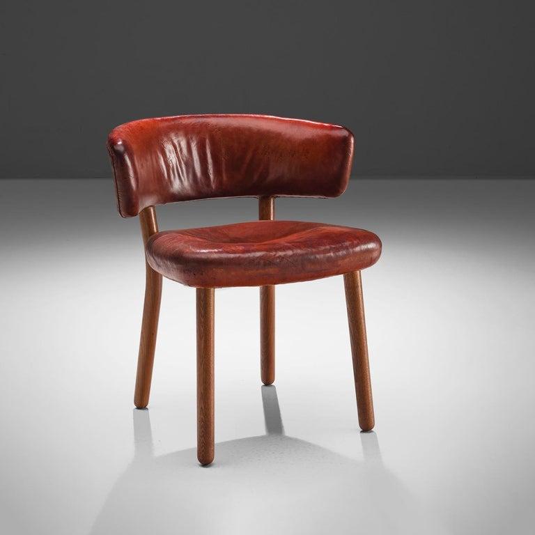 Scandinavian Modern Rare Hansen & Jørgensen Chair in Original Leather and Gardella 'Arenzano' Lamp For Sale