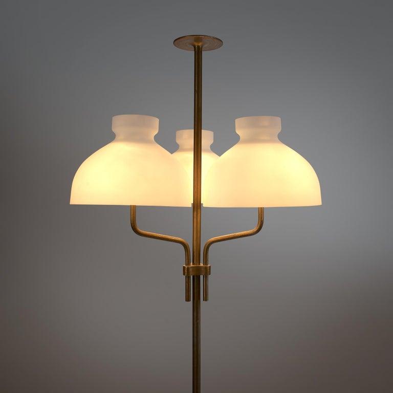 Rare Hansen & Jørgensen Chair in Original Leather and Gardella 'Arenzano' Lamp For Sale 1