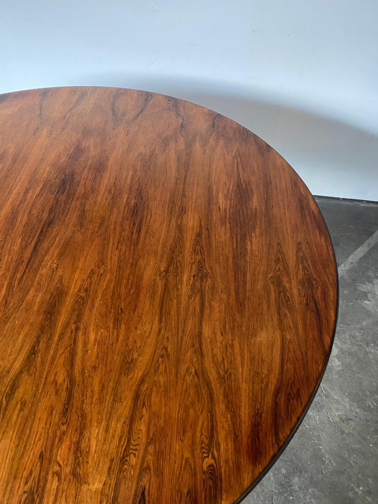 Rare Herman Miller Eames Round Dining Table in Rosewood For Sale 3