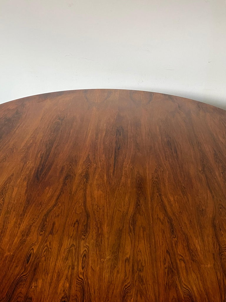 Rare Herman Miller Eames Round Dining Table in Rosewood For Sale 4